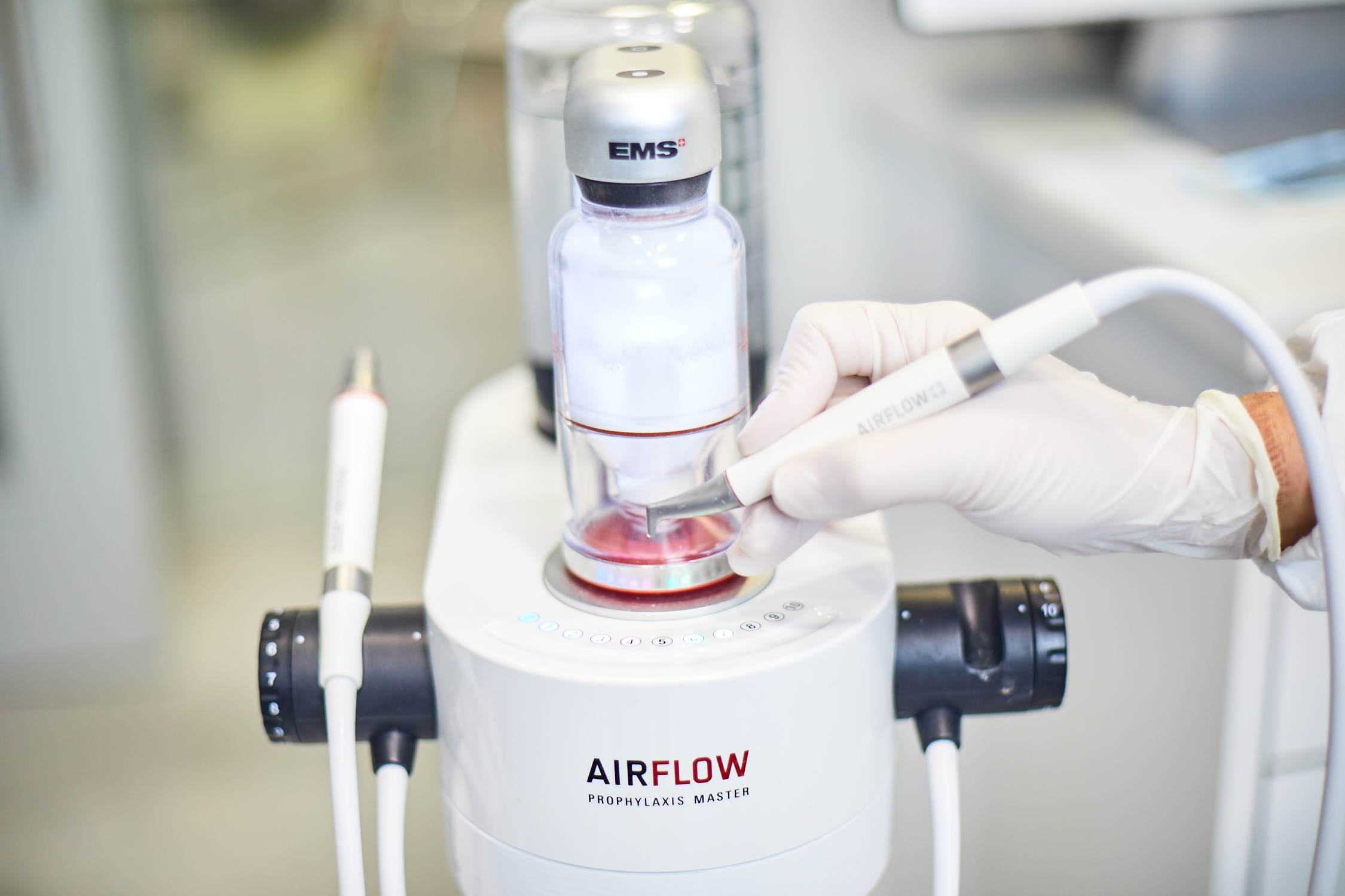 Dental Project incorpora AirFlow prophylaxis Master